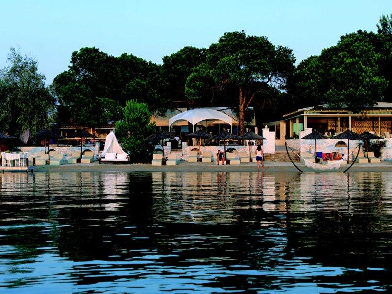 Ekies All Senses Resort na plazi