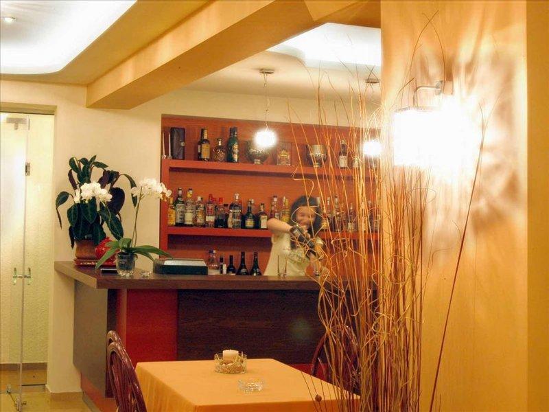 Loutra Beach hotel bar