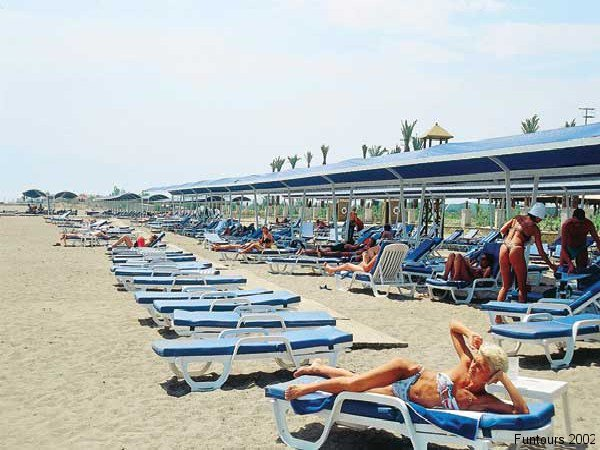 hotel-titanic-beach