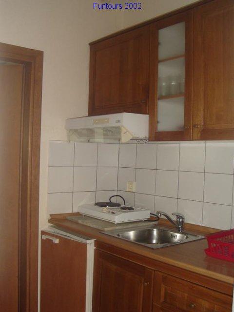 kuhinja-u-apartmanu